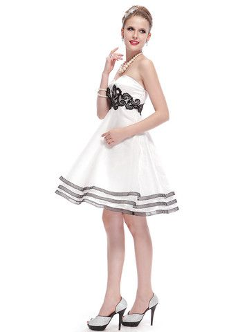 Elegant Sweetheart Neck Knee-Length Strapless Dress