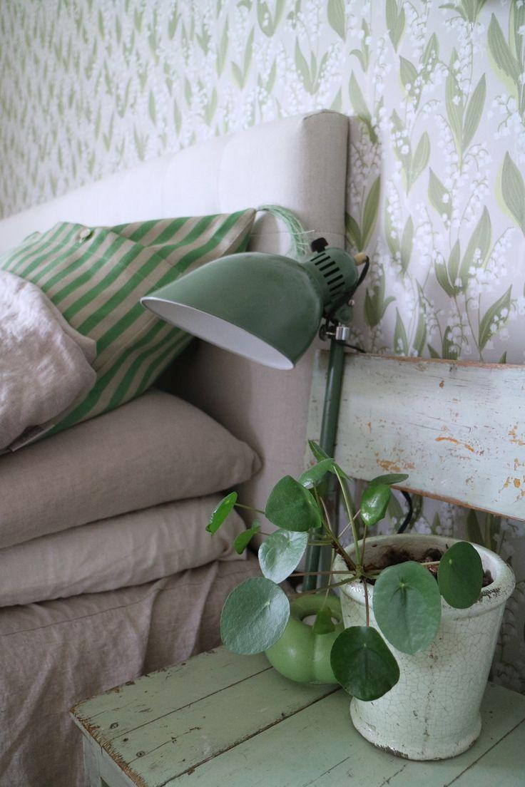 Bedroom | Wallpaper Liljekonvalj | Sandberg Wallpaper Blog_Frida