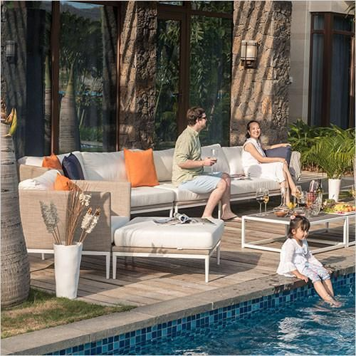 The Ingrid is a contemporary modular sofafor outdoor lounging. It has a textaline covered frame and textaline seat basewhich when combined with soft cushions