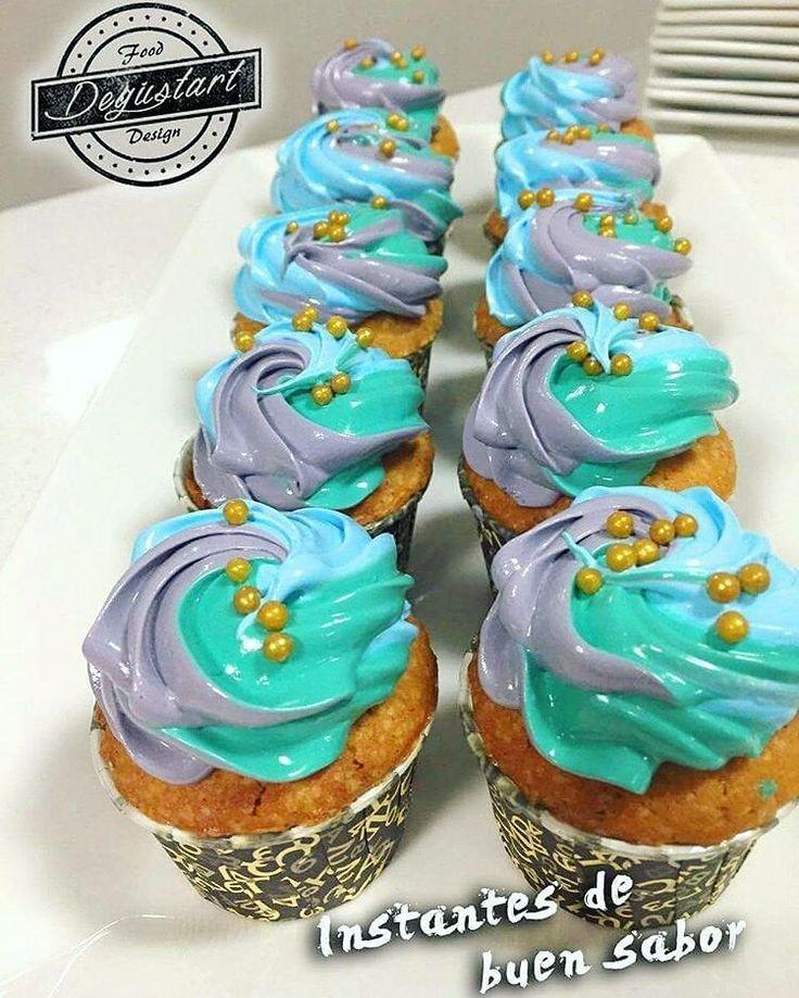 lunes de cupcakes!   Bautizos matrimonios cumpleaños baby shower eventos en general.  Hagan sus pedidos a degustartcotizaciones@gmail.com o através de nuestro fanpage. #Buenlunesatodos #lunes #pasteleriaartesanal #gourmet #candybar #nakedcake #cake #reposteria #tortas #patiserie #weddingcake #cupcake #cupcakes