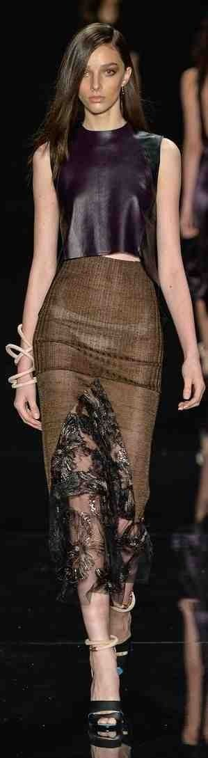 """➗Animale RTW Summer 2015 - Sao Paulo Why are these """"ladies?"""" showing their underwear?"""