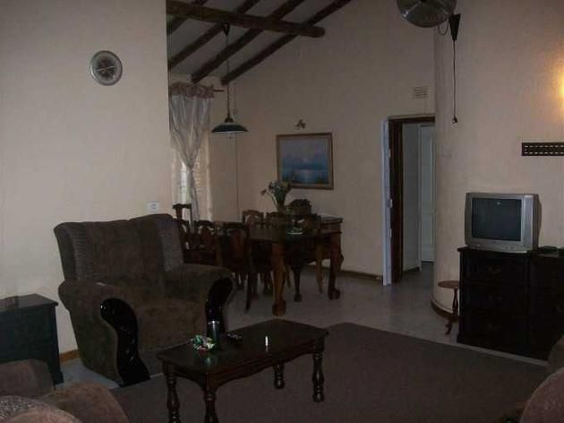 4 Bedroom House for sale in Florauna - 1918037 - Hozi Homes