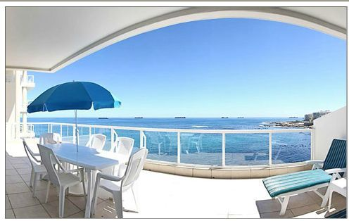 Summer holidays in Bantry Bay!  Luxury self catering apartment in Bantry Bay Cape Town  http://capeletting.com/atlantic-coast/clifton-bantry-bay/bantry-place-250/