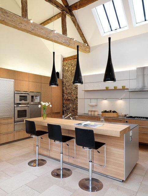 Vaulted ceilings,  skylights,  neutral palate,  love it.
