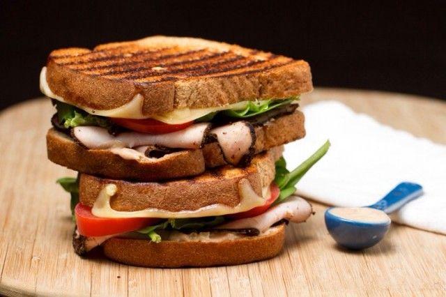 Sandwich with pastrami -  RECIPE