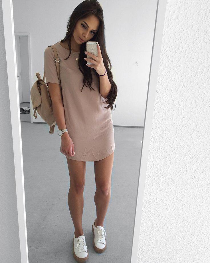O que dizer desse dress estilo camisa super em alta e com esse tom de rosa nude incrível ? Look lindo e super despojado para você apostar e amar!||deixem um feedback nos comentários do que acham desse estilo de look e me digam o que mais gostam de ver por aqui ♡《pinterest: @Lariifreitas 》