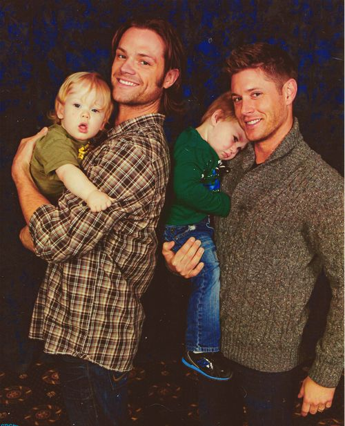 Jared and Jensen with their adorable little guys. I squealed....