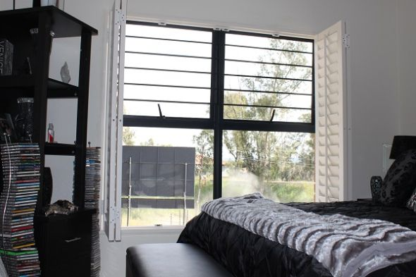 Adjustable shutters that fold away when you don't need them