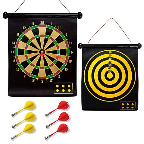This fun and portable roll-up 2-in-1 Magnetic Dart Board is awesome fun for the whole family. Packaged with 6 darts, the flexible cloth-covered board features a traditional dart board on 1 side, and a target bullseye on the game.