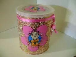 lata decorada con brillantina