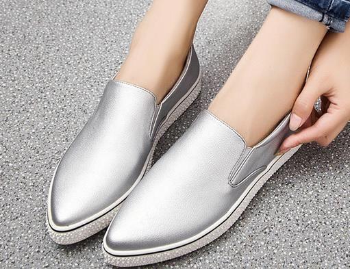 Europa envío gratis 2015 nuevas damas de invierno en punta zapatos de plataforma estilo mujeres zapatos planos zapatos perezosos plata / oro mocasines sepatu