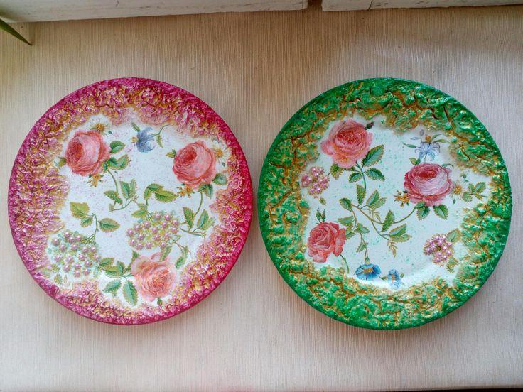 Комплект декоративных тарелок,,Розовые розы,,(фарфор)