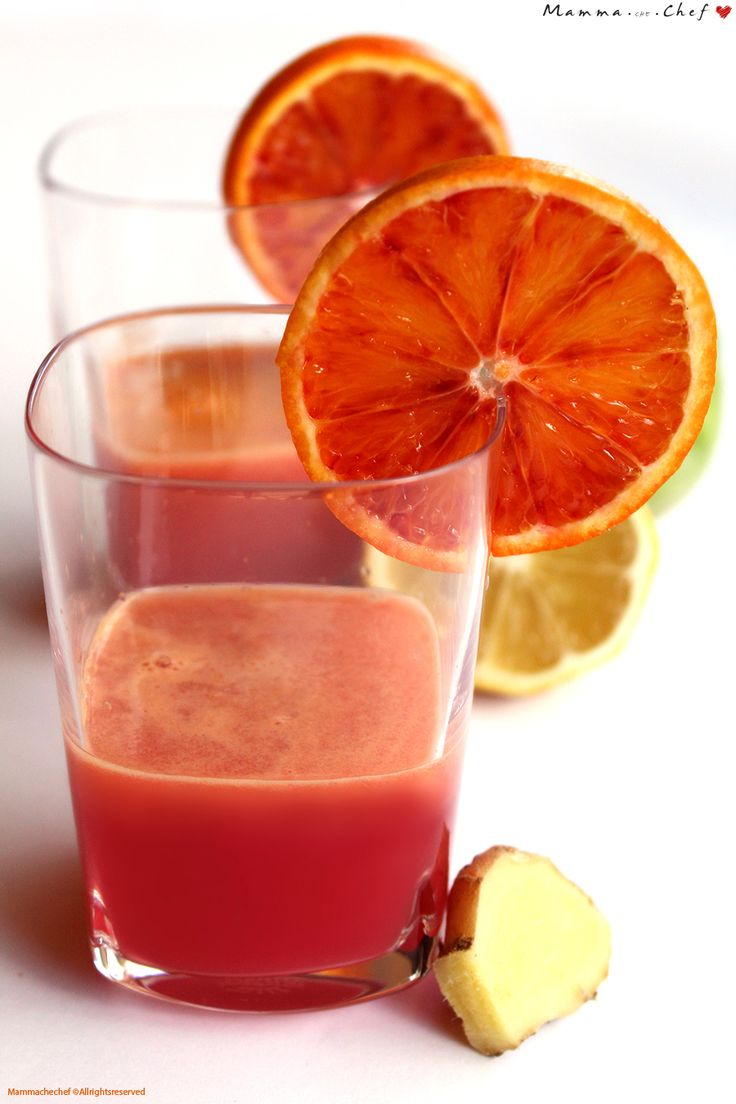 Centrifugato di arancia, carota, mela, limone, zenzero
