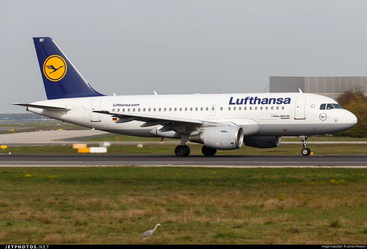 Airbus A319-112, Lufthansa, D-AIBF, cn 4796, 138 passengers, first flight 1.8.2011, Lufthansa delivered 15.8.2011. Active, for example 13.6.2016 flight Frankfurt - Nurnberg. Foto: Frankfurt, Germany, 22.4.2016.
