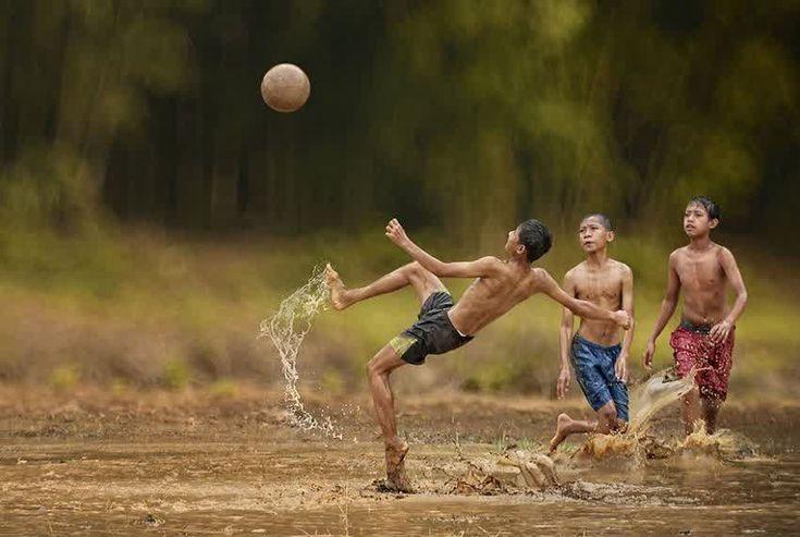 #Bolaneters Apa pun, masa paling indah adalah masa kanak-kanak. Selamat Hari Anak Nasional!