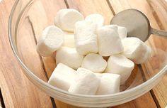 Μια συνταγη για ζαχαροπαστα με marshmallows! Μια ευκολη και οικονομικη λυση για σπιτικη ζαχαροπαστα στο λεπτό!