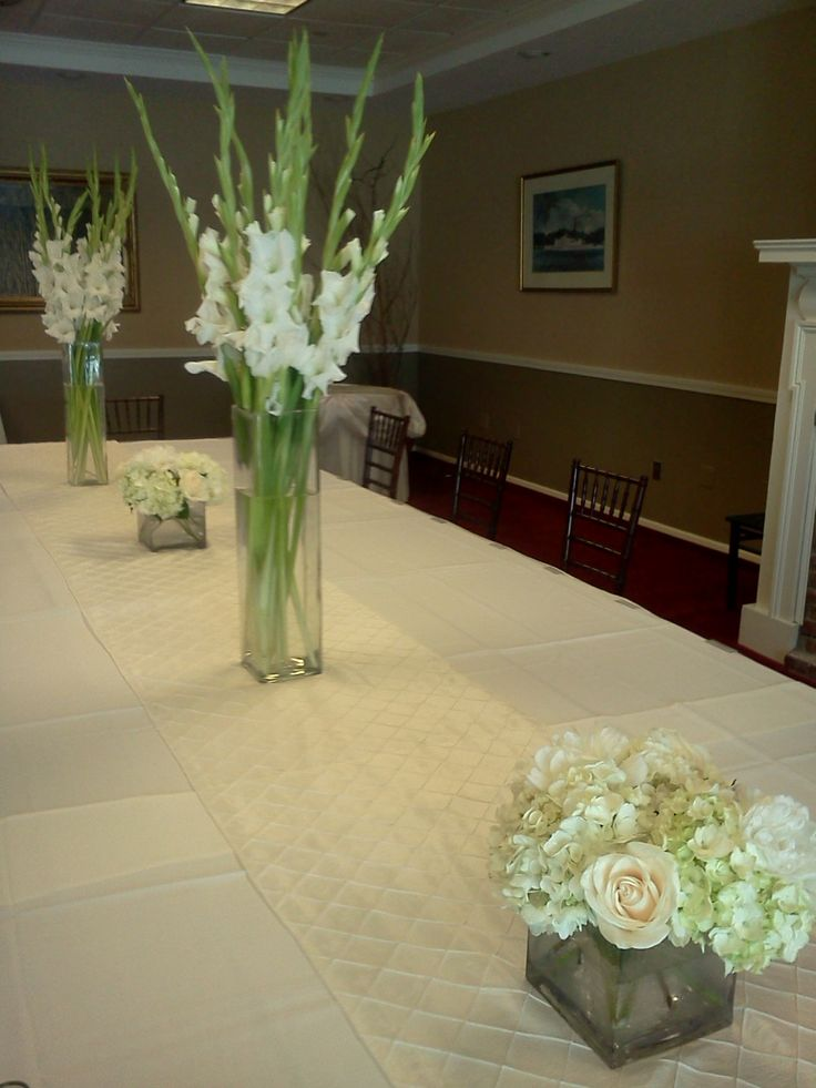 White gladiola centerpieces lyndseyloringdesign
