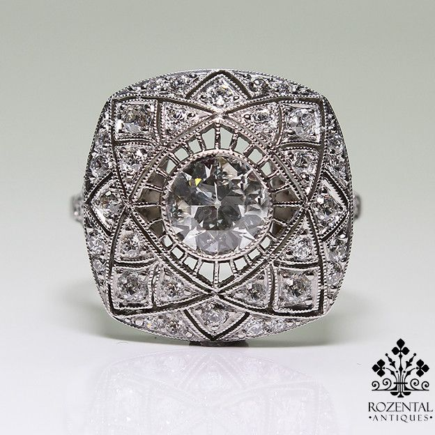 Period: Art deco (1920-1935) Composition: Platinum. Stones: - 1 Old mine cut diamond of H-SI1 quality that weighs 1ctw. - 40 Old mine cut diamonds of H-VS2 quality that weigh 0.80ctw. Ring size: 6 1/2