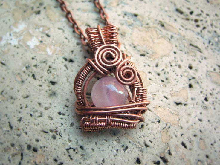 Ciondolo pendente wire art wireweaving rame quarzo rosa pezzo unico artigianale intreccio amore regalo per lei san valentino romantico love di WiredOnyx su Etsy