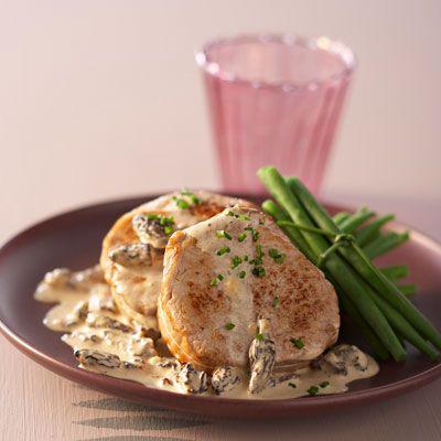 Découvrez la recette Filet mignon aux morilles sur cuisineactuelle.fr.