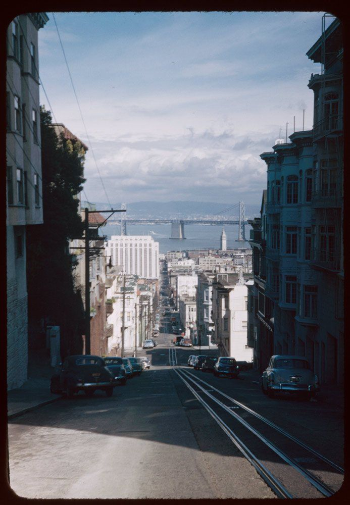Colorful Photographs Taken in the 1940s and 1950s That Show a Beautiful San Francisco Before It Became the Center of the Tech World