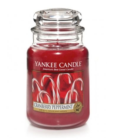 So need to try this scent, love cranberry scented ones, especially at Christmas!