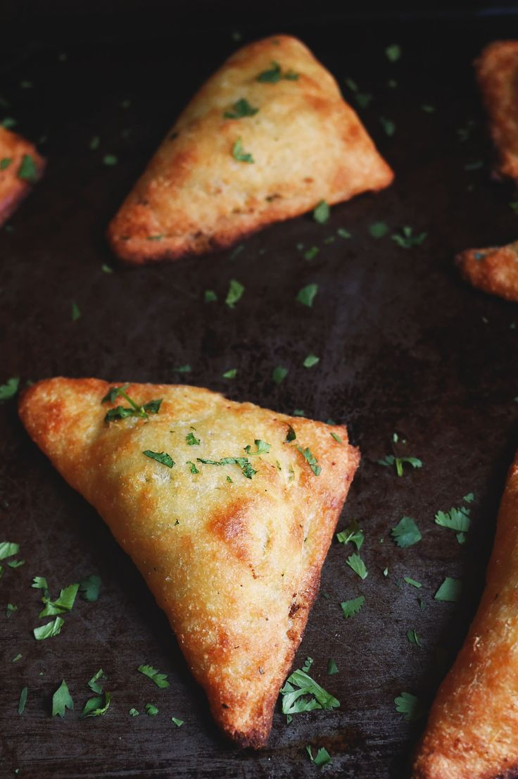 Low-Carb Indian Vegetable Samosas Can makes this into a fruit turnover