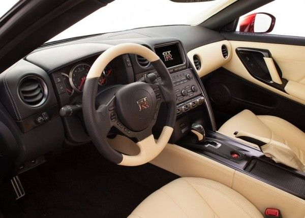 2015 Nissan GT R interior image 600x429 2015 Nissan GT R