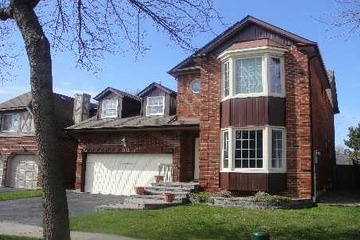 MLS #E2319951 1502 Eagleview Dr Pickering $464,900