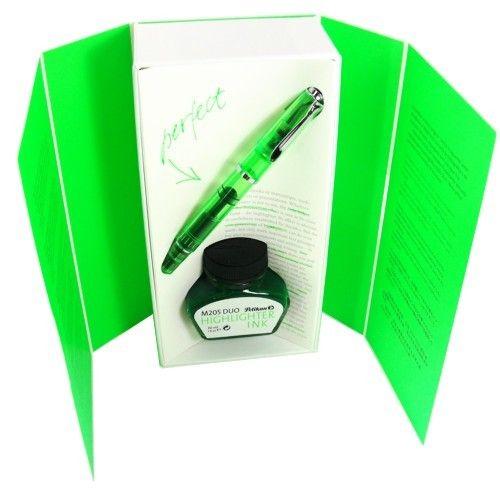 A caneta tinteiro Pelikan Duo 205 foi especialmente elaborada com conversor e tinta marca texto, daí o nome Duo.  http://www.artcamargo.com.br/canetas-de-luxo/edicoes-especiais/edic-o-especial-caneta-tinteiro-pelikan-duo-205-shiny-green.html