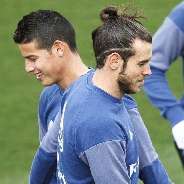 Mlb Gareth Haircut Undercut Gareth Bale Haircut Undercut Gareth Bale Gales Gareth Bale Peinado Garet In 2020 Gareth Bale Hair Long Hair Styles Men Gareth Bale