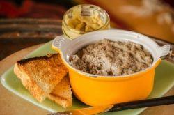 Cretons de porc avec les épices à cretons des Épices de cru ... Essayez sur une bonne Ploye !!