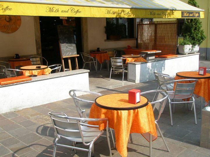 caffetteria Milk & Coffee inaugurazione Maggio 2005