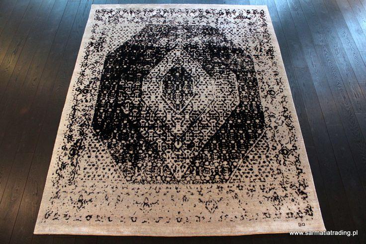 Ekskluzywny dywan designerski z kolekcji Onyx. Ręcznie utkany z wełny owiec wysokogórskich (highland wool) i jedwabiu. http://www.sarmatiatrading.pl/sklep/dywany-nowoczesne/bidjar-granite-onyx-collection/