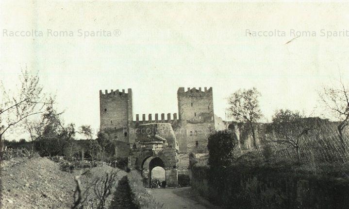 Via Appia Antica – Porta San Sebastiano e Arco di Druso Anno: 1905
