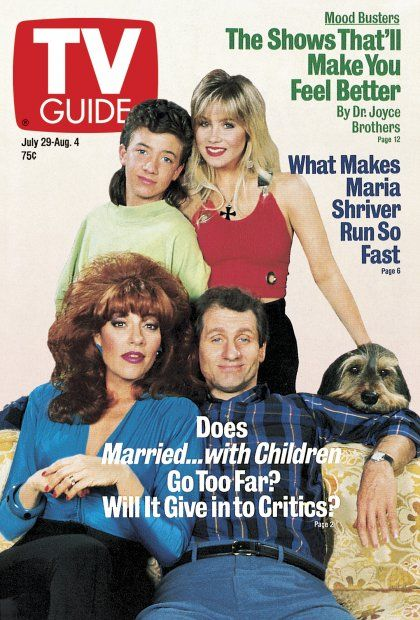 TV Guide July 29, 1989 - David Faustino, Christina Applegate, Katey Sagal, Ed O'Neill and Buck of Married With Children.