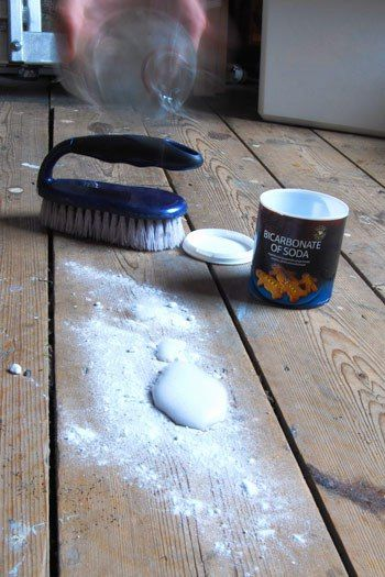 Cleaning Smelly Floorboards