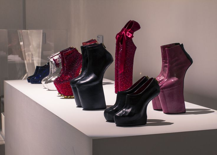 Heel-less Shoes Series
