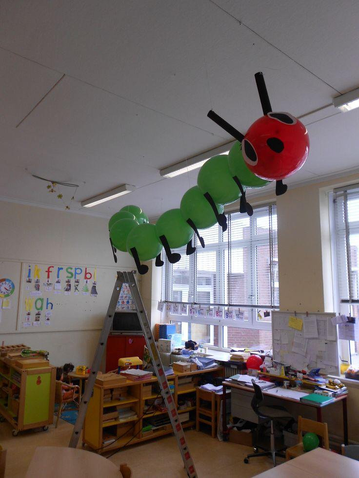 Caterpillar Rupsje nooitgenoeg Versiering voor de klas of op een feestje. Creatief met ballonen.