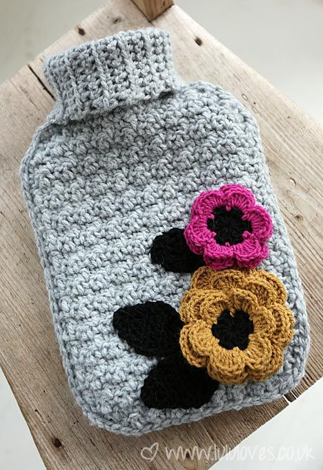 Lululoves: Crochet Hot Water Bottle Cover ༺✿Teresa Restegui http://www.pinterest.com/teretegui/✿༻