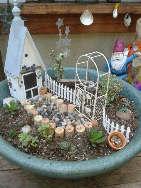 Fairy garden ferry gardens pinterest gardens for Garden design ideas cork