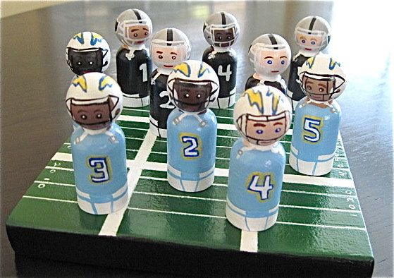 Peg Dolls - Football Tic Tac Toe