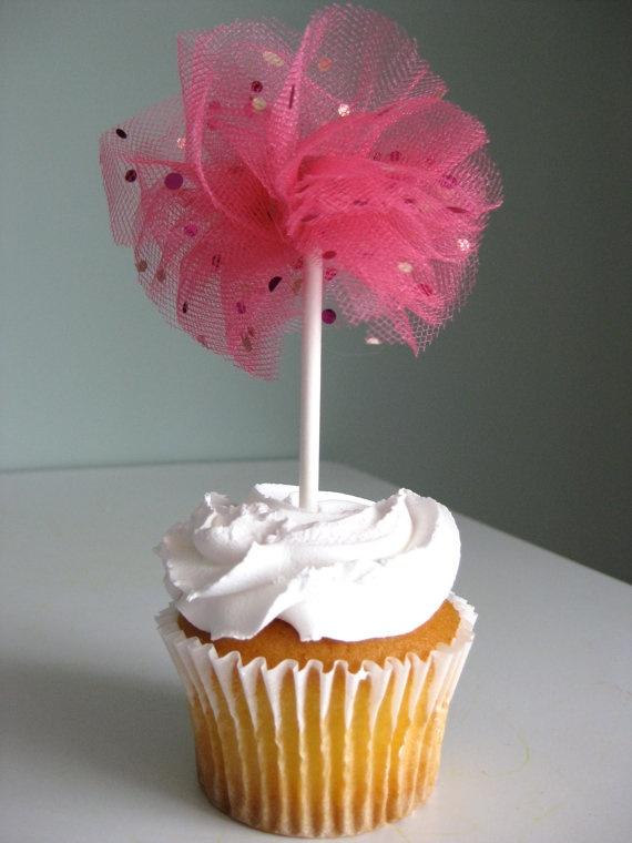 Tulle pom pom cupcake topper.
