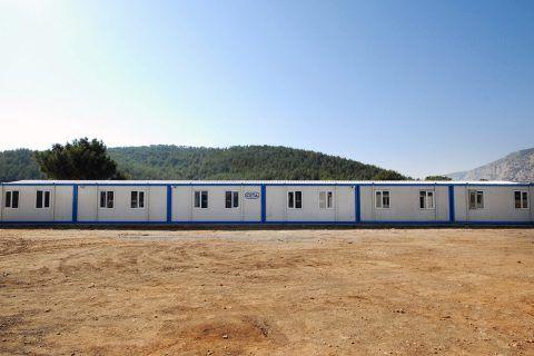 Özge Yapı aylık 6.750 adet konteyner üretim kapasitesi ile yurtiçi ve yurtdışına farklı alanlarda yaşam konteynerleri sunmaktadır
