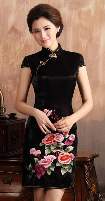Elegant black embroidery short cheongsam dress #fashion #Chinese #dress #elegant #embroidery