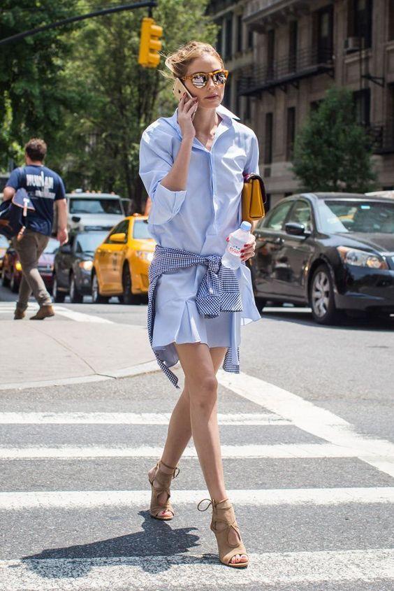 ワンピースにギンガムチェックのシャツの腰巻。 カジュアルでアーバンな雰囲気です。 - 海外のストリートスナップ・ファッションスナップ
