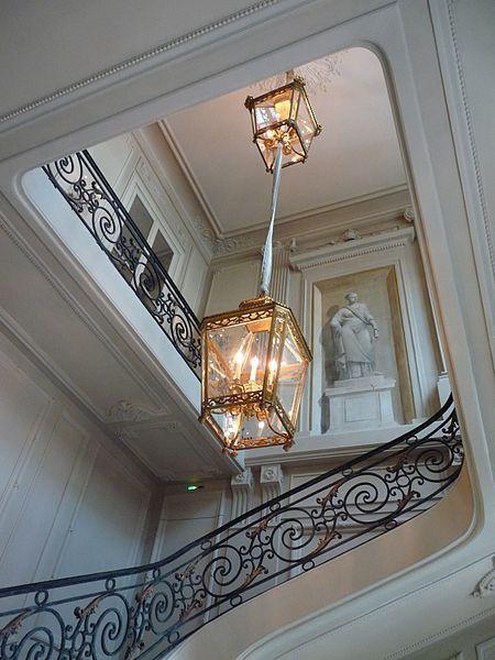 19 best h tel de la vaupali re images on pinterest for Axa salon de provence