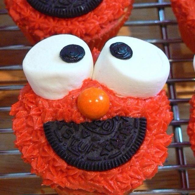 Elmo. Cake.