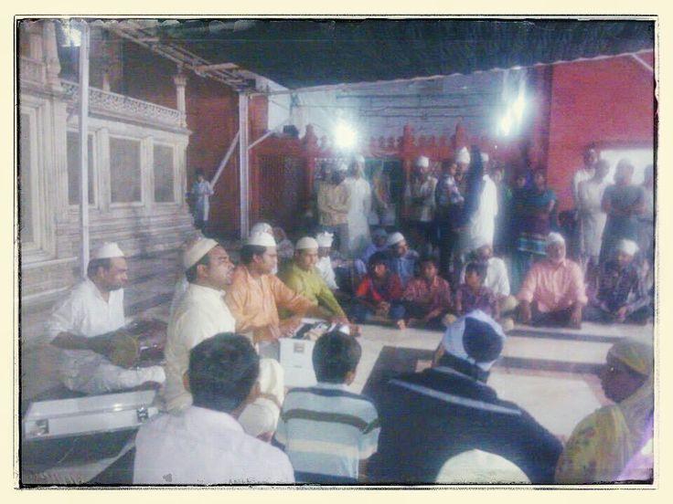 Food for soul....hear the qawwalis sung at sunset on Thursday evenings at Dargah of Nizammudin Auliya