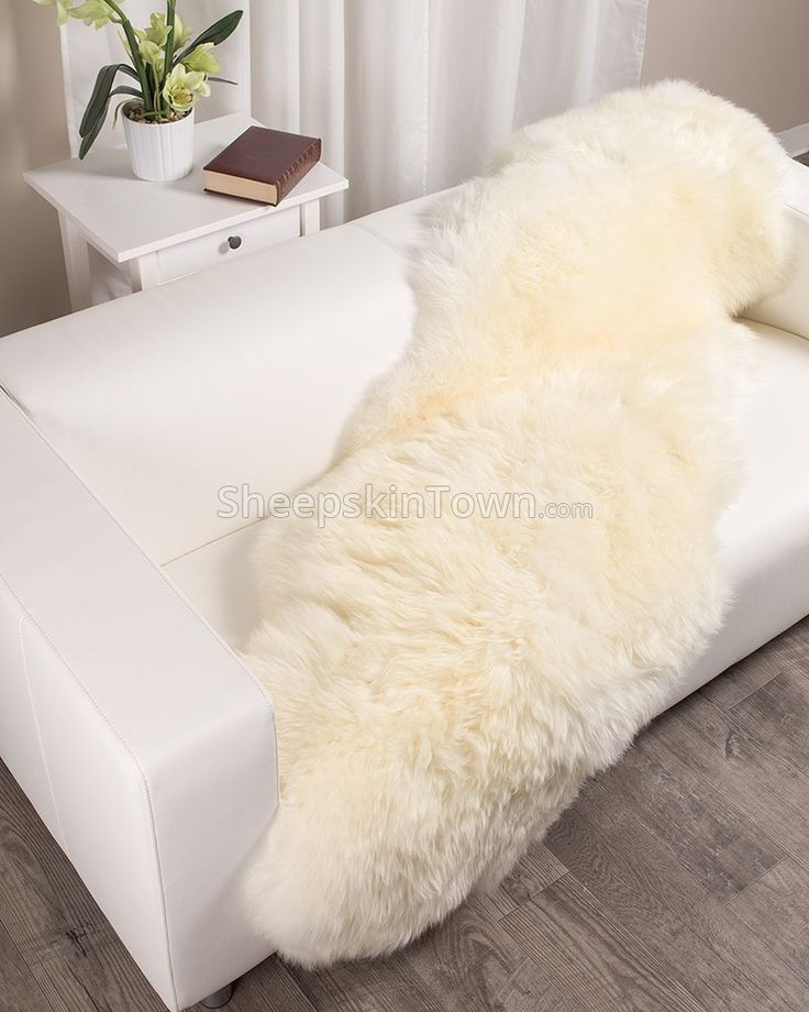 Best 25+ Sheepskin Rug Ideas On Pinterest